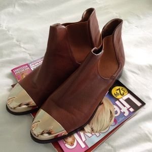 brown gold toe cap Chelsea boots