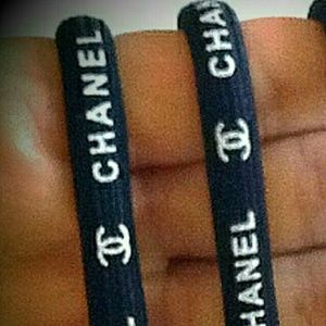 Reserve tsperls lot of two VIP chanel hair ties