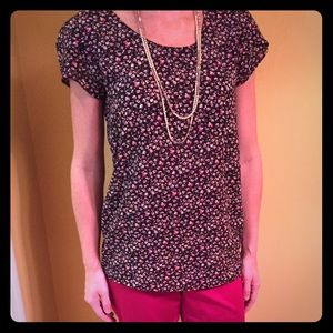 Flirty Floral Top with Pocket