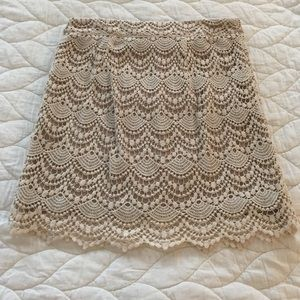 Forever 21 small, cream/Ivory lace skirt