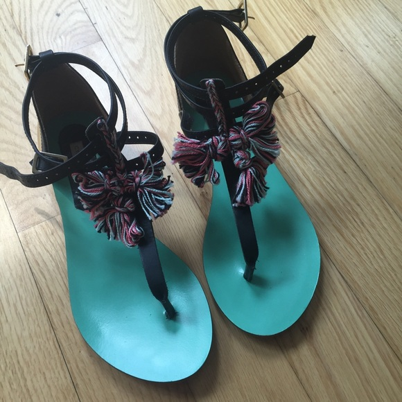 Cynthia Vincent Shoes - Cynthia Vincent Embellished Flat Sandals, Size 7