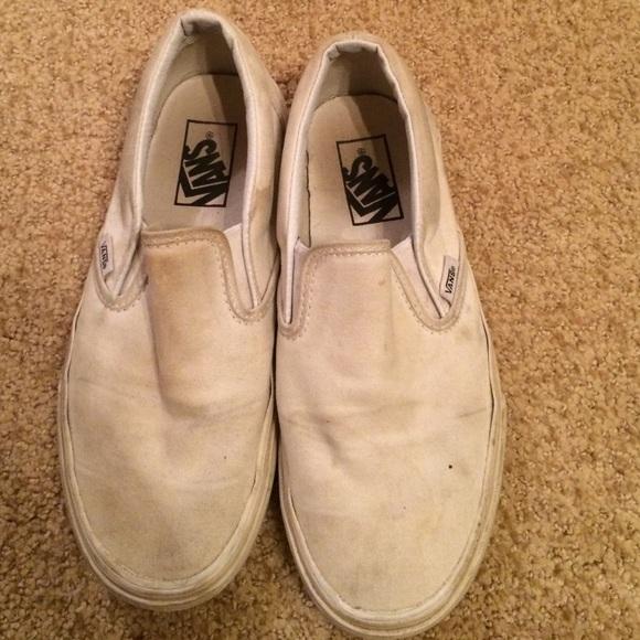 e0f20e5c5c Used white slip on vans shoes. M 55e3579556b2d693dd00cbb6