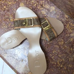 Flat Dior Sandal