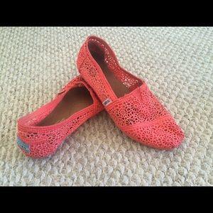 TOMS coral crochet shoes
