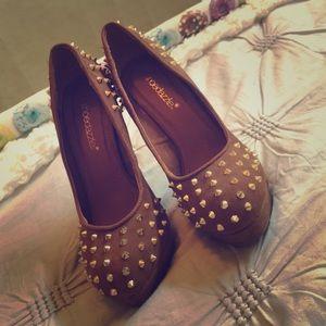"""Shoe Dazzle Shoes - Studded Tan SD """"Ezra"""" Pumps"""