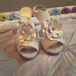 """Shoe Dazzle Shoes - ShoeDazzle """"Ryhan"""" flower Sandals"""