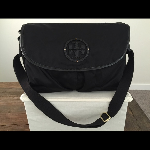 04c50b7fe27a Authentic Tory Burch Billy Messenger Diaper Bag. M 55e37630522b4559b000de0b