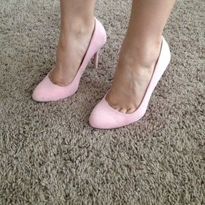 Beautiful pink shoes!