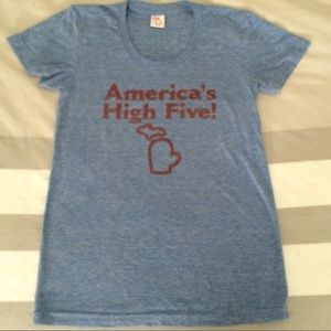 America's High Five Unisex Tee Size Large