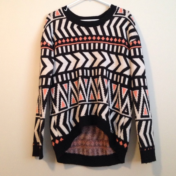 Brandy Melville Sweaters - aztec sweater