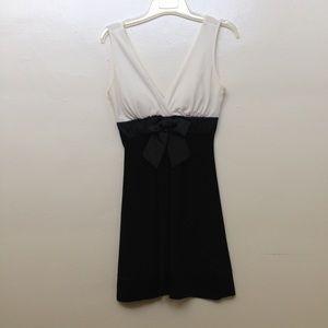 Taboo Dresses & Skirts - Cute white and black dress