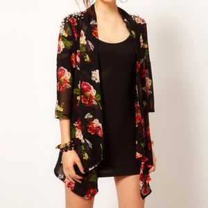 BKE Tops - 🎉9/27 HP🎉BKE Floral kimono w/ studded shoulders