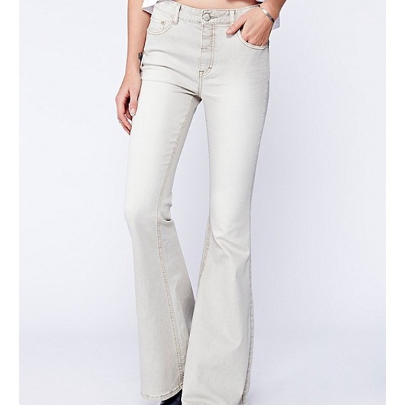 Free shipping and returns on Women's Colorful Jeans & Denim at hamlergoodchain.ga