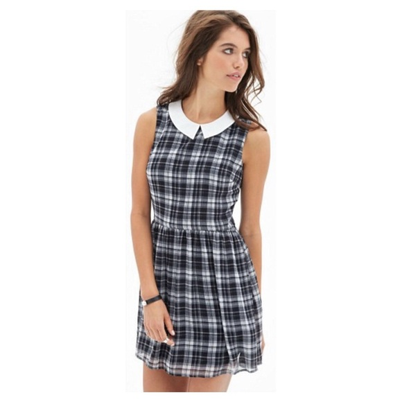 0af1b10eee Forever 21 Dresses   Skirts - Peterpan collar plaid dress