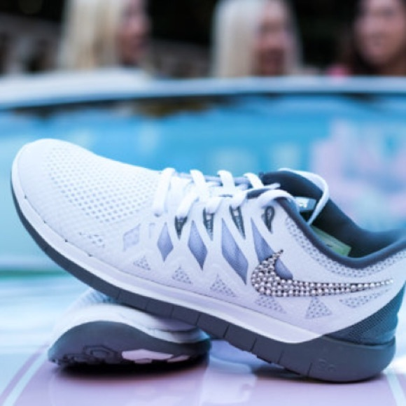 nike sold bedazzled nike free running shoes from