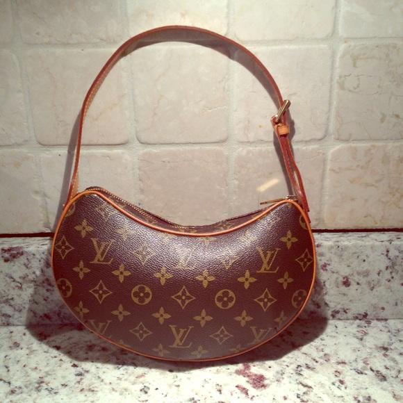 3b8be608739 Louis Vuitton Handbags - 💯% authentic Louis Vuitton Croissant PM