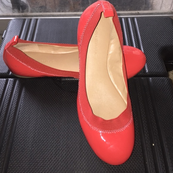 b8a93e5c5c8a Banana Republic Shoes - Banana Republic Abby flat