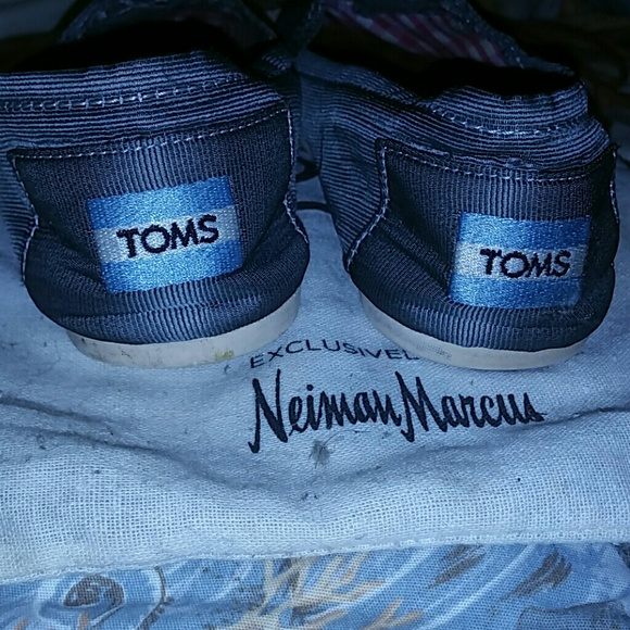 TOMS Shoes--known for their ethical business policy: for each pair of shoes sold, they give a pair to a child in need--has launched an exclusive.
