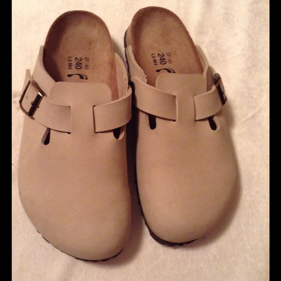 d9ee9aa3745d Birkenstock Shoes - Birki s Boston Clogs💥SALE💥