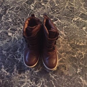 Steve Madden brown sneaker or boot wedges