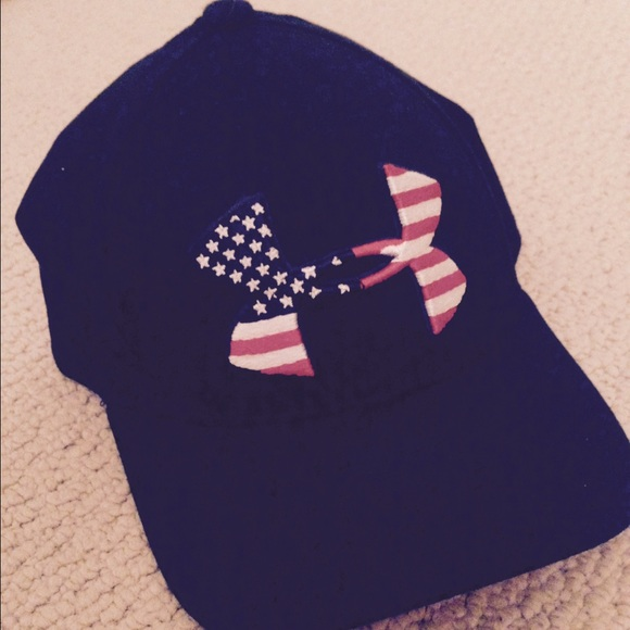 Under Armour American flag hat. M 55e503b43c6f9fa713016715 3048dd2fab0