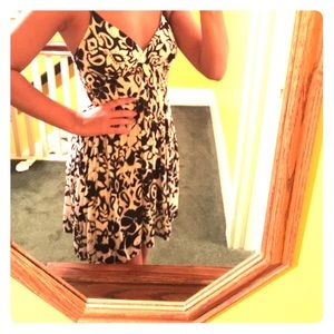 Dresses & Skirts - Great beachy dress!