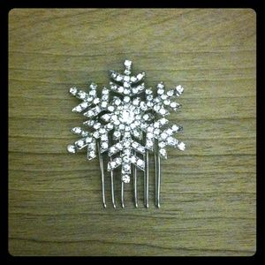 Snowflake hair pin hand made- MUST GO MAKE A offer