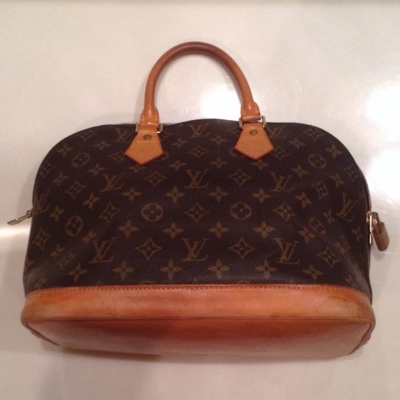 5fa38073f379 ... louis vuitton alma bags price