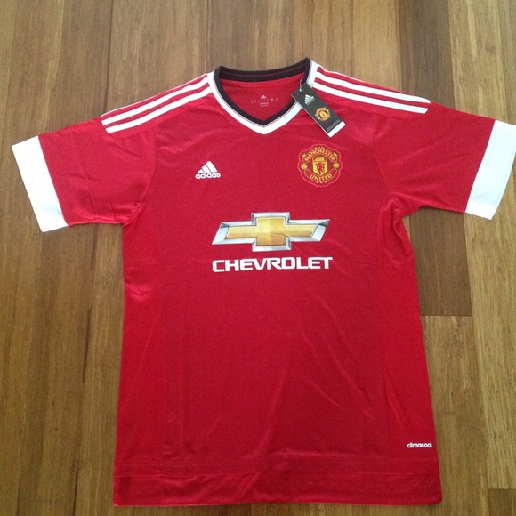 a48eb5fde 15 16 Manchester United home red jersey NWT