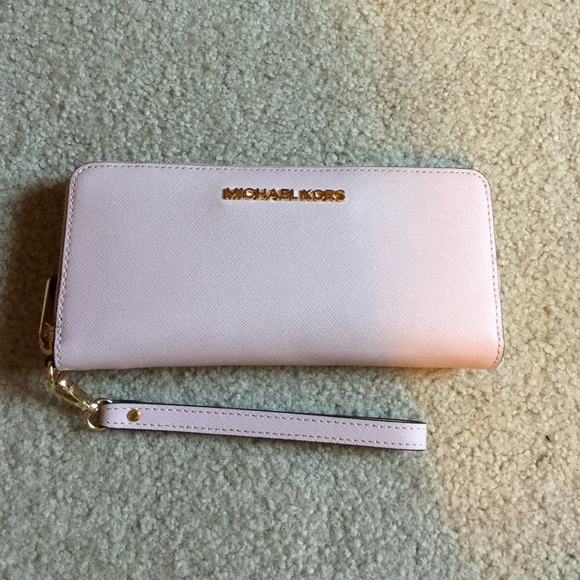 b5324f7fc3c8 Michael Kors Bags | Jet Set Travel Leather Continental Wallet | Poshmark