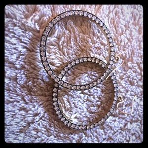 Accessories - Round beautiful earrings