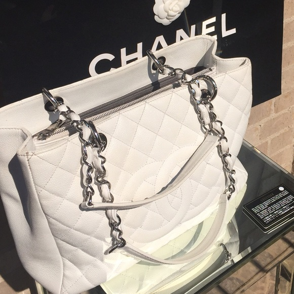 e4fb97d6cac563 CHANEL Bags | White Quilted Bag | Poshmark