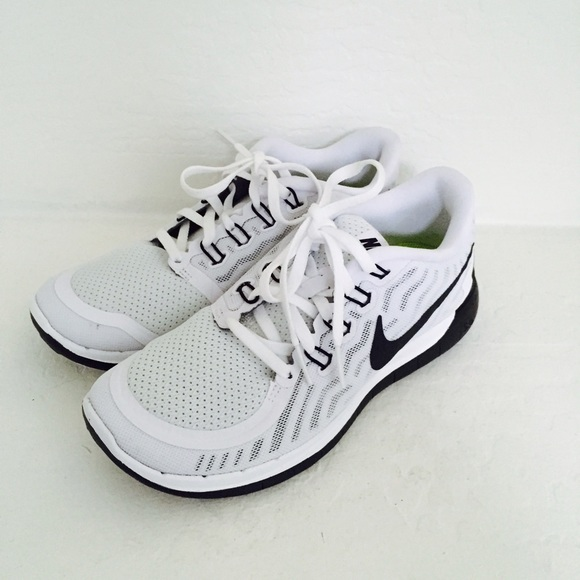 reputable site d3147 310eb New Nike Free Run 5.0 barefoot ride white grey