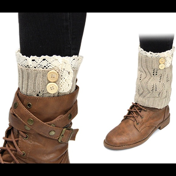 b59822c0abf0 Beige Low Boot Socks w  Cream Crochet   Buttons