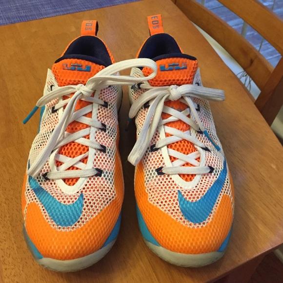 Lebron 12 Bucket Low Youth Sneakers. M 55e6d99778b31c6e0f01fc76 eadb25d64