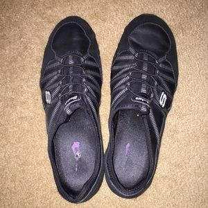 Black waitressing sketchers shoes