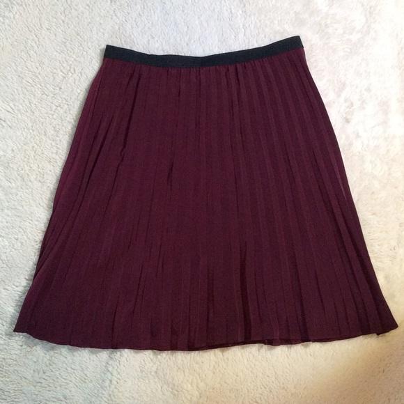 ab studio euc burgundy pleated skirt from kristen s