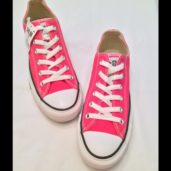 NWT Hot Pink Converse All Stars c7f8fe573