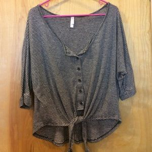 Cute target brand top with front tie. Size XL.