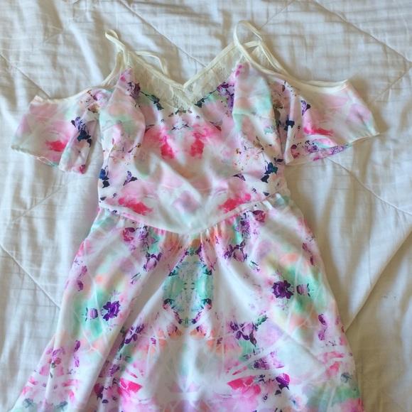 Show Po Dresses & Skirts - Homecoming/ Formal Dress