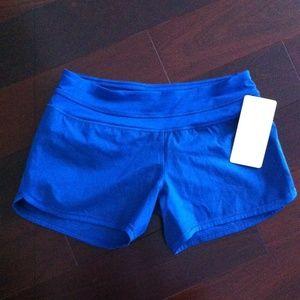 Lululemon groovy run shorts size 6