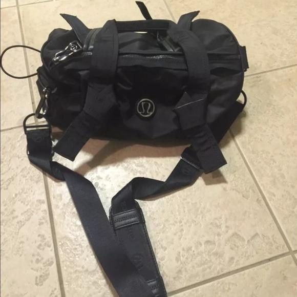 fabf00b3e29a lululemon athletica Handbags - Like new! Lululemon DTB Mini Duffle black