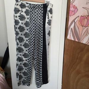 Zara black and white print pant size L