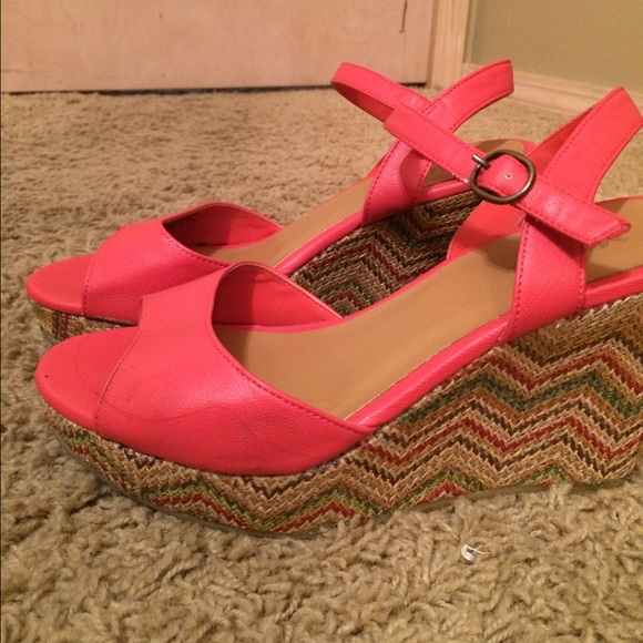 50 mudd shoes mudd coral wedge heels size 8 from