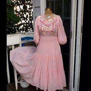 VTG 70s PINK GAUZE PEASANT BOHO FESTIVAL DRESS