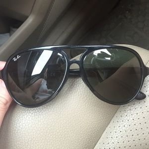 ... superior quality ab019 17d17 Ray-Ban Accessories - Ray ban sunglasses  with case style cats ... 1894ec7cc4