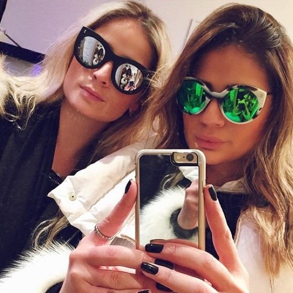 e11536a3700 Illesteva Accessories - NEW Illesteva Black Mirrored Palm Beach Sunglasses