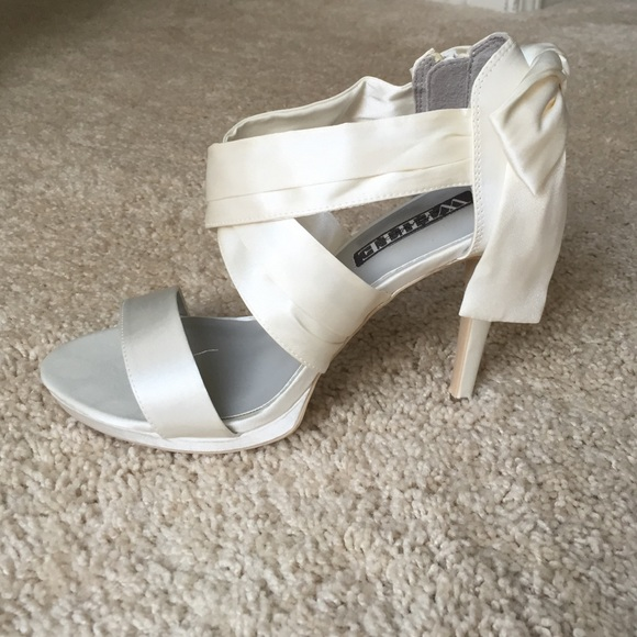 64 vera wang shoes white by vera wang satin