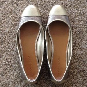 Banana republic flats size 7
