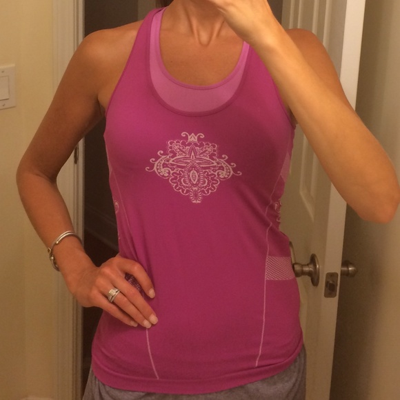 63 off athleta tops athleta yoga workout top w built in for Shirts with built in sports bra